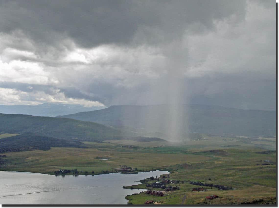 A localized heavy summer rainstorm in Colorado. Photo: Howard Perlman, USGS. Public domain.