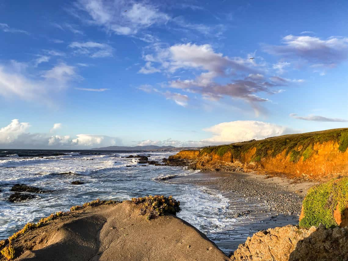 Coastlines, like this California view at Pescadero, show how complex coastlines are with bluffs, rocks, and curvature.  Photo: Meaghan Faletti, USGS . Public domain.