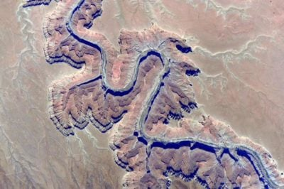 Is this a ridge or a canyon? Relief inversion plays tricks on the brain with this image of the Colorado River in Arizona. Photo: NASA