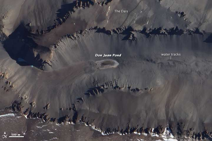 Don Juan Pond in Antarctica. Beeld: NASA.