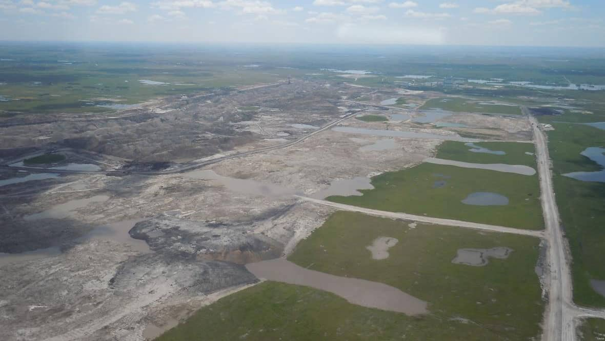 Coal mine in Saskatchewan, Canada. Photo taken by USGS personnel on a Civil Air Patrol flight.