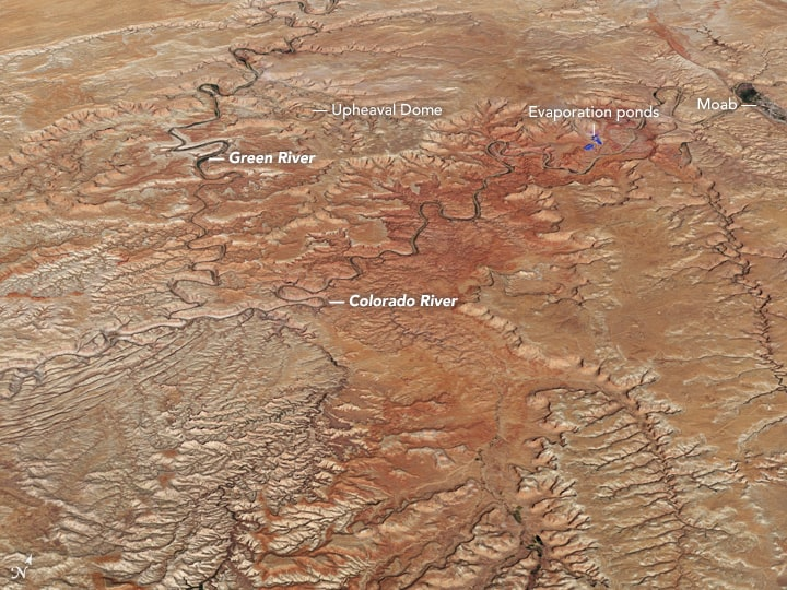 The Operational Land Imager (OLI) on the Landsat 8 satellite acquired a natural-color view of Green River on on July 5, 2016. Source: NASA.