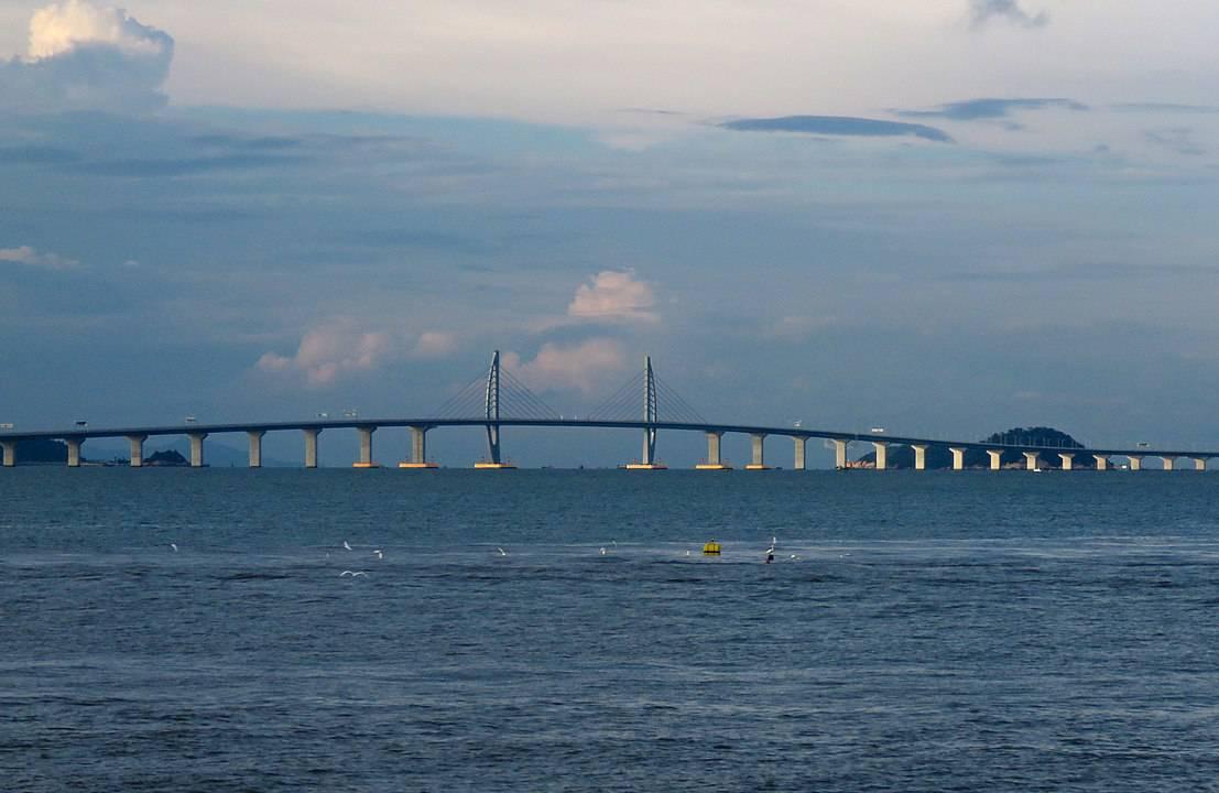 West section of Hong Kong-Zhuhai-Macau Bridge. Photo: N509FZ, CC BY-SA 4.0, MediaWiki Commons.