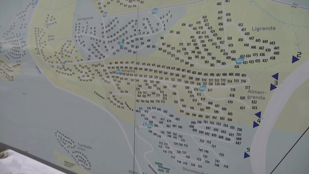 Cabins in this ski resort are only listed by numbers, causing confusion among tourists and emergency responders. Source: Knut Røsrud / NRK