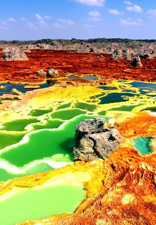 hydrothermal pools and terraces of Dallol, Ethiopia. Photo: Kotopoulou Electra, Wikipedia, CC BY-SA 4.0