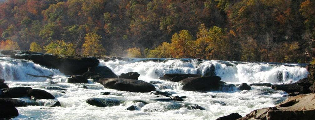A photo of New River in Sandstone Falls, West Virginia.