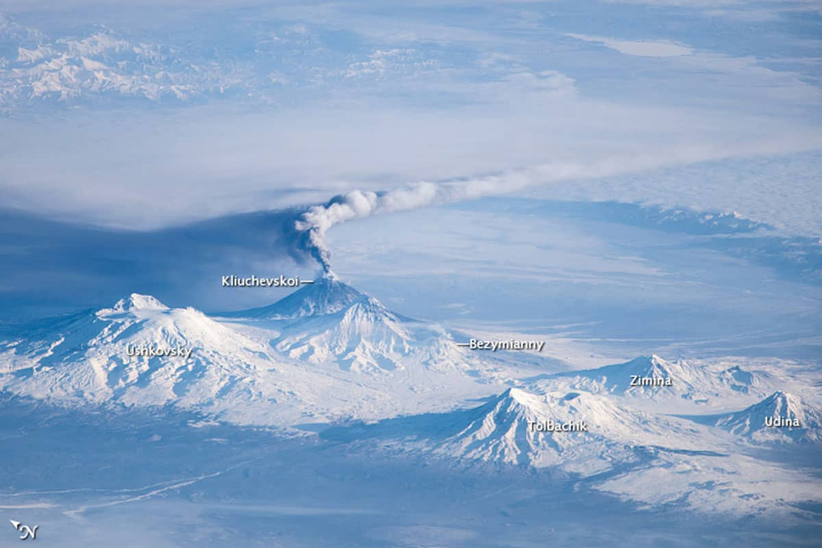 An eruption plume coming from Klyuchevskoy.  Astronaut photograph ISS038-E-5515, November 16, 2013.
