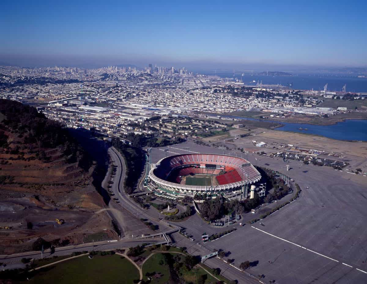 Aerial view of Candlestick with a view of downtown San Francisco.  Photo: Carol M. Highsmith, public domain via LOC.gov.