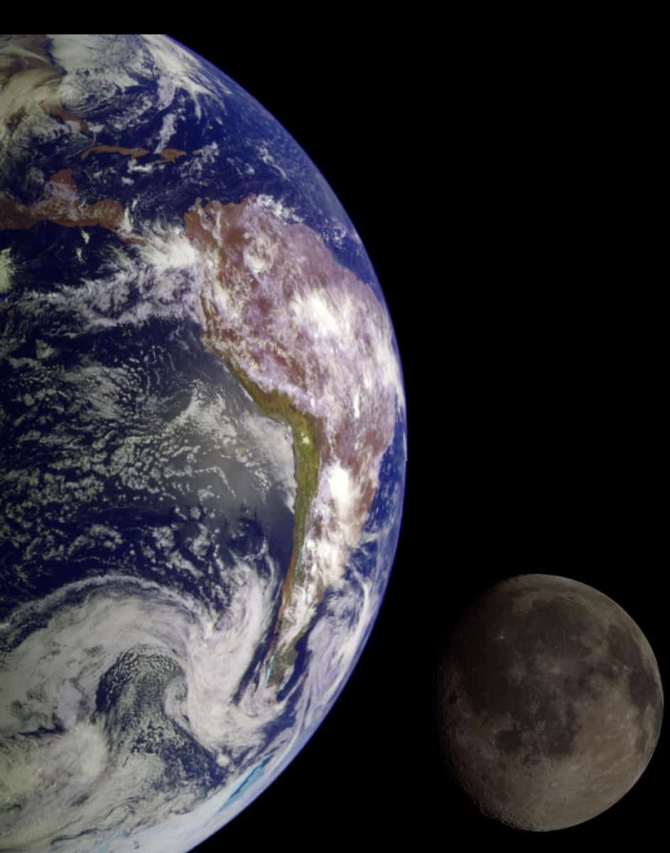 During its flight, NASA's Galileo spacecraft returned images of the Earth and Moon. Separate images of the Earth and Moon were combined to generate this view. PIA00342: The Earth & Moon. NASA/JPL/USGS.