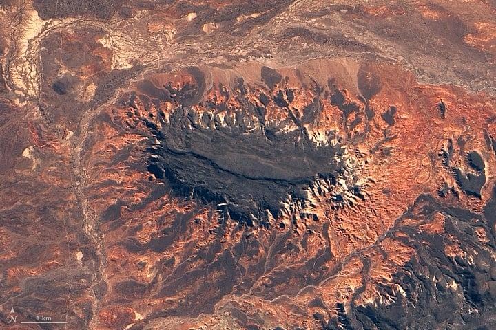 Meseta de Canquel is a lava plateau in Argentina.  Image: Landsat 8, NASA, August 20, 2018.